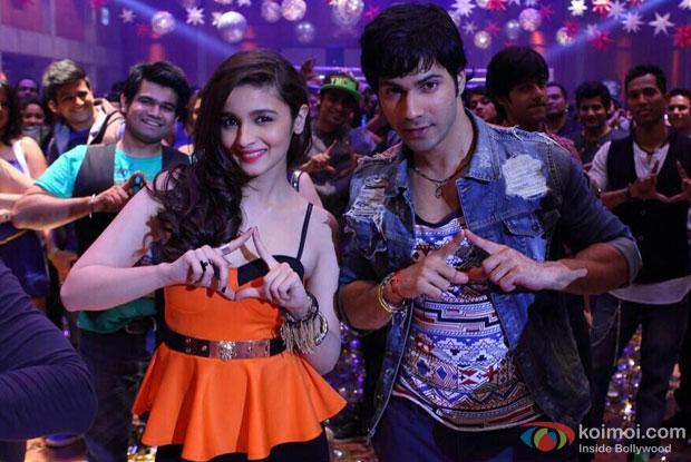 Alia Bhatt and Varun Dhawan in a Lucky Tu Lucky Me Song still from movie 'Humpty Sharma Ki Dulhania