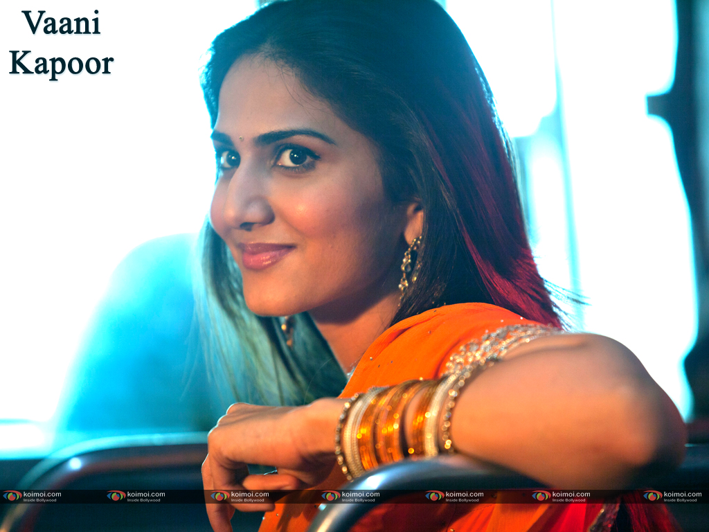 Vaani Kapoor Wallpaper 2