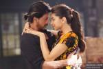 Shah Rukh Khan and Deepika Padukone in Happy New Year Movie Stills Pic 2
