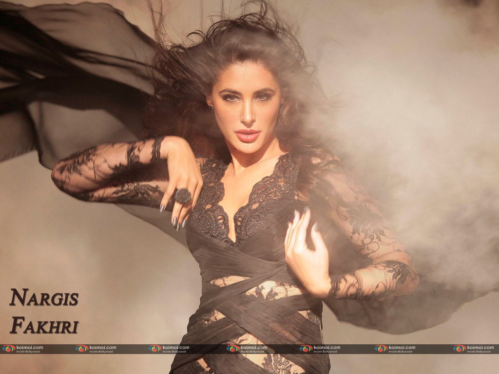 Nargis Fakhri Wallpaper 7