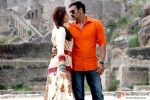Kareena Kapoor and Ajay Devgn in Singham Returns Movie Stills Pic 2