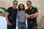 Meet Brothers At The Shoot Of 'Sharafat Gayi Tel Lene'