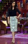Kareena Kapoor On The Sets Of Comedy Nights With Kapil