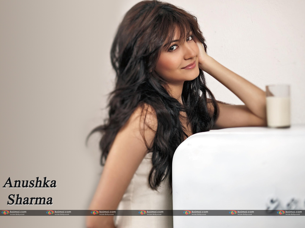 Anushka Sharma Wallpaper 8
