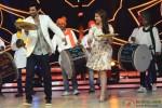 Aditya Roy Kapur and Parineeti Chopra during the promotion of movie 'Daawat-E-Ishq' on the set of Jhalak Dikhhla Jaa 7' Pic 3