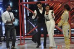 Remo DSouza, Manish Paul and Priyanka Chopra during the promotion of movie 'Mary Kom' On the set of 'Jhalak Dikhla Jaa' 7