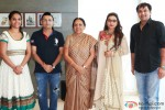 Rani Mukerji Meets Gujarat CM Pic 4