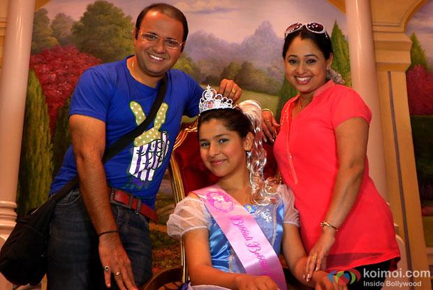 Bhide and Madhavi with Sonu at HongKong Disneyland