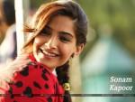 Sonam Kapoor Wallpaper 11