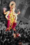 Amitabh, Abhishek & Aishwarya Visit Lalbaugcha Raja