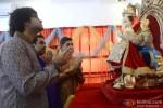 Shankar Mahadevan & Family Clicked While Performing The Ganpati Aati