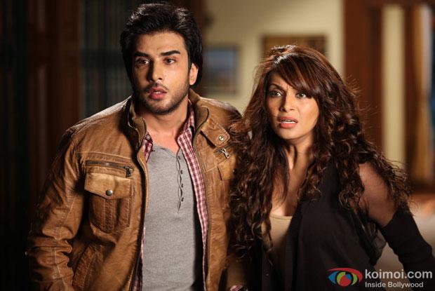Imran Abbas and Bipasha Basu in a still from movie 'Creature 3D'