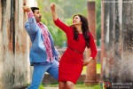 Aditya Roy Kapur and Parineeti Chopra in Daawat-E-Ishq Movie Stills Pic 2