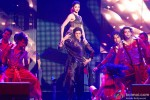 Deepika Padukone and Shah Rukh Khan performed SLAM! The Tour at Jiffy Lube Live in Washington DC Pic 3