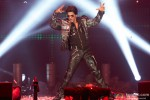 Shah Rukh Khan performed SLAM! The Tour at Jiffy Lube Live in Washington DC Pic 4