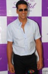 Akshay Kumar during the launch of La Piel Clinic Pic 2