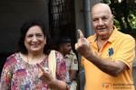 Prem Chopra Cast Vote For Maharashtra State Assembly Elections 2014
