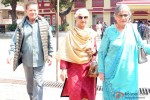 Salim Khan and Waheeda Rehman Cast Vote For Maharashtra State Assembly Elections 2014