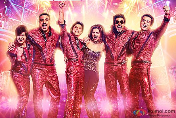 Vivaan Shah, Boman Irani, Shah Rukh Khan, Deepika Padukone, Abhishek Bachchan and Sonu Sood in a still from movie 'Happy New Year'