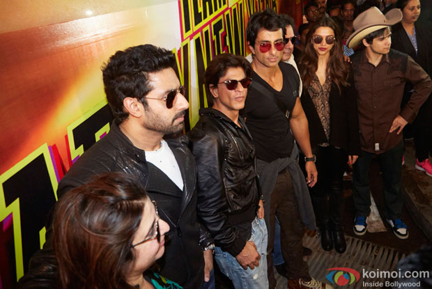 Abhishek Bachchan, Farah Khan, Shah Rukh Khan and Deepika Padukone Back In India After SLAM! The Tour