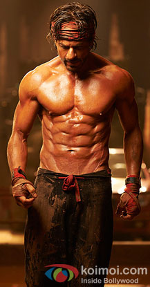 Shah Rukh Khan's 8 Pack Abs still from movie 'Happy New Year'