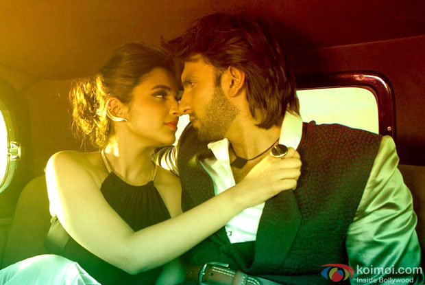 Parineeti Chopra and Ranveer Singh in a still from movie 'Kill Dil'