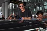 Shah Rukh Khan Arrives In Kolkata Pic 4
