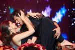 Deepika Padukone and Shah Rukh Khan performed SLAM! The Tour in London Pic 2