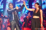 Shah Rukh Khan and Deepika Padukone performed SLAM! The Tour in London Pic 2