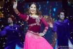 Madhuri Dixit performed SLAM! The Tour in London Pic 3