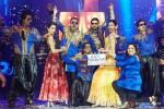 Sonu Sood, Malaika Arora Khan, Boman Irani, Shah Rukh Khan, Abhishek Bachchan, Deepika Padukone, Farah Khan and Vivaan Shah performed SLAM! The Tour in London