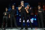 Vivaan Shah, Sonu Sood, Abhishek Bachchan, Shah Rukh Khan and Boman Irani performed SLAM! The Tour at San Jose