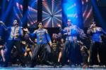 Abhishek Bachchan, Shah Rukh Khan, Sonu sood and Vivvan Shah performed SLAM! The Tour at Vancouver