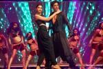 Deepika Padukone and Shah Rukh Khan performed SLAM! The Tour at San Jose Pic 1