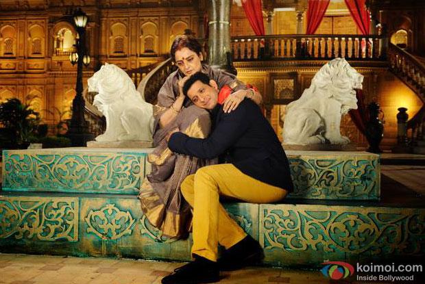 Rekha and Sharman Joshi in a still from movie 'Super Nani'