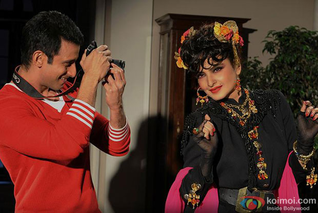Sharman Joshi and Rekha in a still from movie 'Super Nani'