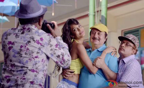 Annu Kapoor, Lisa Haydon, Anupam Kher and Piyush Mishra in a still from movie 'The Shaukeens'