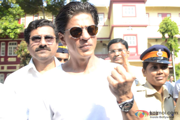 Shah Rukh Khan After Casting His Vote At Maharashtra Elections