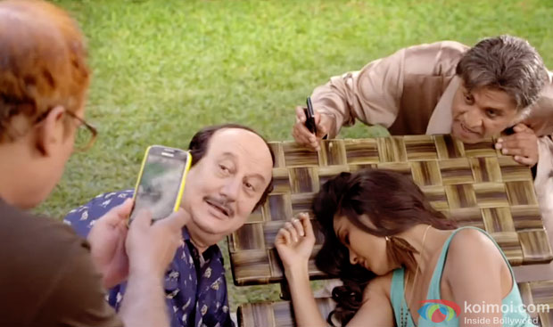Piyush Mishra, Anupam Kher, Lisa Haydon and Annu Kapoor in a still from movie 'The Shaukeens'