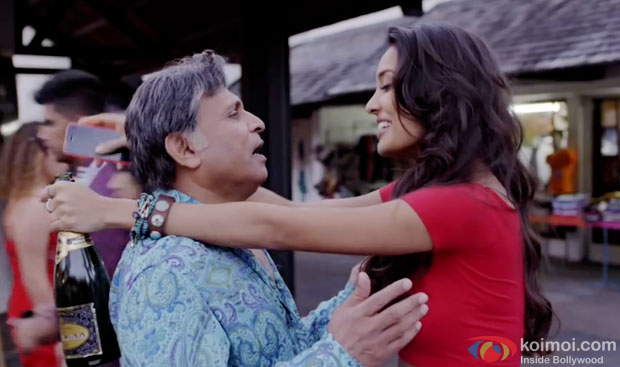 Annu Kapoor and Lisa Haydon in a still from movie 'The Shaukeens'