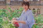 Anushka Sharma In PK - Boy-Cut! Simple Yet Elegant