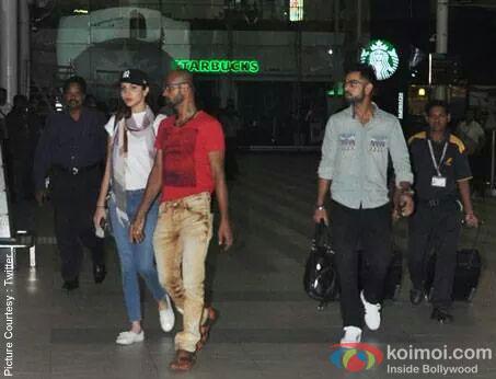 Anushka Sharma And Virat Kohli Spotted Together At Airport