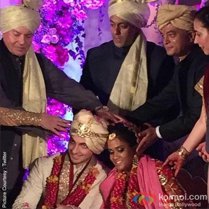 Salim Khan and Salman Khan during the Arpita Khan-Ayush Sharma's Wedding