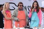 Vinod Khanna and Bipasha Basu At Delhi Half Marathon's Carbo Loading Session Pic 2