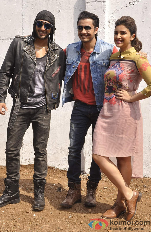 Ranveer Singh, Parineeti Chopra and Ali Zafar during the promotion of movie 'Kill Dil' Pic 1