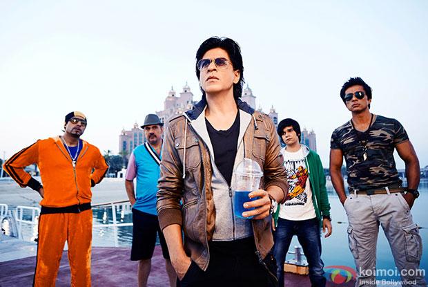 Abhishek Bachchan, Boman Irani, Shah Rukh Khan, Vivaan Shah and Sonu Sood in a still from movie 'Happy New Year'