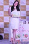 Kareena Kapoor Launches Vivel Love & Nourish range Pic 1