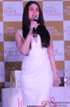 Kareena Kapoor Launches Vivel Love & Nourish range Pic 3
