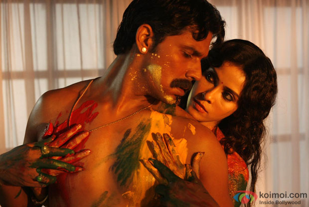 Randeep Hooda and Nandana Sen in a still from movie 'Rang Rasiya'