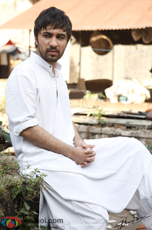 Siddhanth Kapoor Turns Delivery Boy Bombairiya Style!